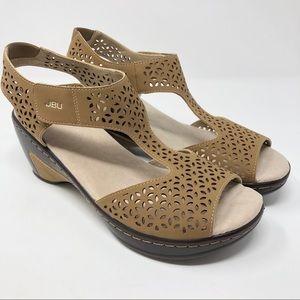 NWOT JBU By Jambu Chloe Wedge Sandals